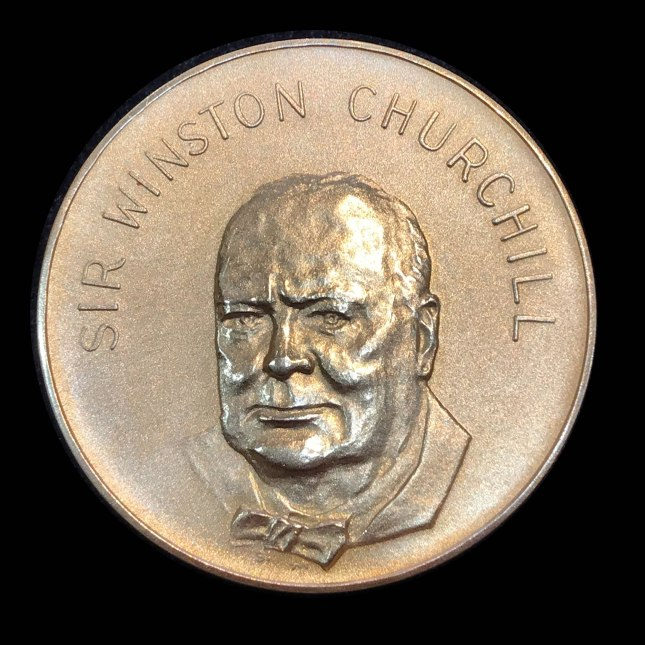Gold coin Winston Churchill